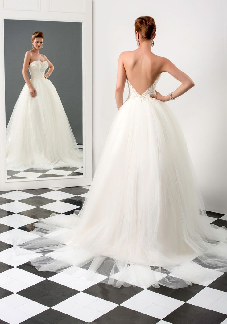 Sharon wedding dress, Bien Savvy 2015 collection   Ask for more details at client@biensavvy.eu