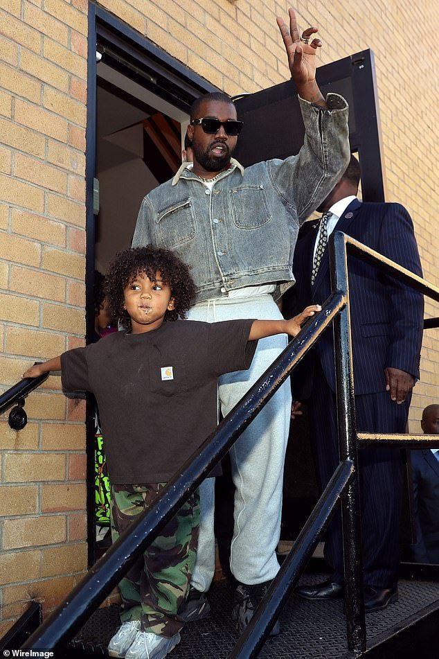 Kanye West In 2020 Kanye West Freestyle Rap Kanye New Album