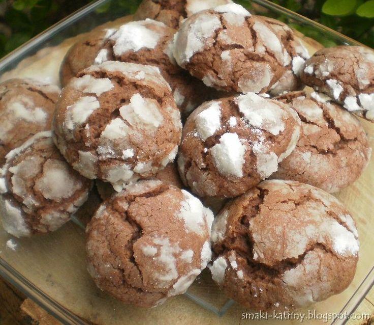 Popękane czekoladowe ciasteczka-przepyszne