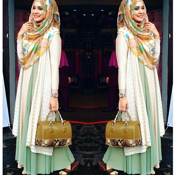 http://abayatrade.com muslim magazine Pastel green ~ ♡