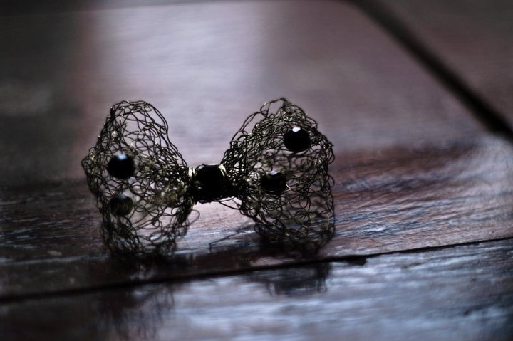 wire bow pin