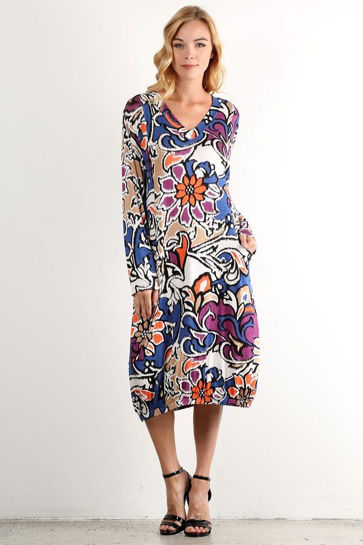 Повседневное платье с цветочным принтом цвет многоцветный Повседневное платье-миди с длинными рукавами, цветочный принт, V-образный вырез горловины, свободный покрой платья с карманами по бокам. https://www.fashionusa.ru/upakovki/povsednevnoe-platie-s-cvetochnim-printom-d472-pr