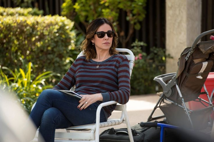 Created by Kevin Biegel, Bill Lawrence.  With Courteney Cox, Christa Miller, Busy Philipps, Dan Byrd. A recently divorced woman decides to find some excitement in her dating life.