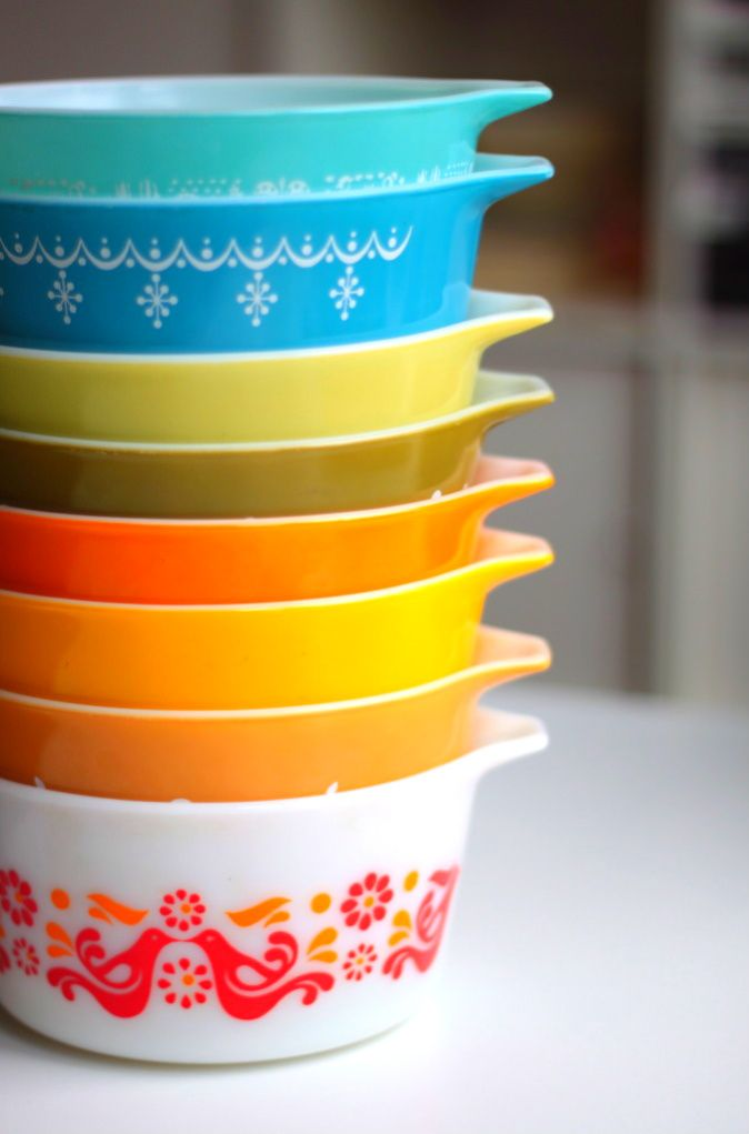 vintage pyrex... pretty colours