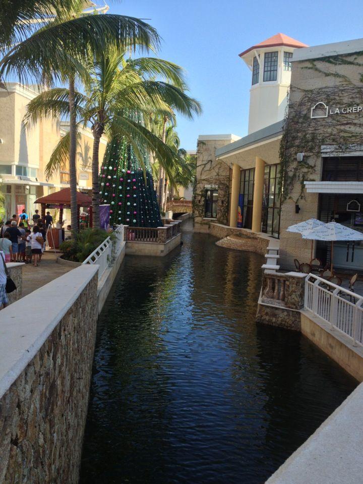 La Isla Shopping Village - Cancun, Mexico