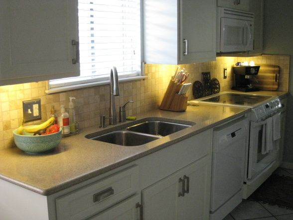 Best 25 1960s kitchen ideas on pinterest 1920s house for Galley kitchen update ideas