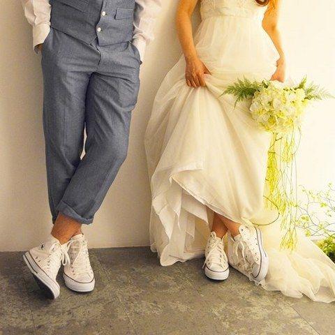 結婚式場写真「お揃いのスニーカーがおしゃれ! ゲストにも一人ずつプレゼントしたスニーカーが「ふたりらしい」とゲストに大好評!」 【みんなのウェディング】
