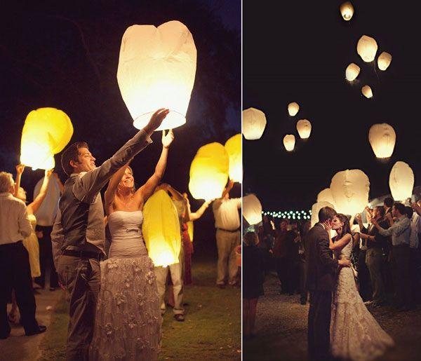 Voici une idée d'animation originale pour votre mariage qui plaira à tous les invités : les lanternes volantes, magiques et féeriques illuminant le ciel...