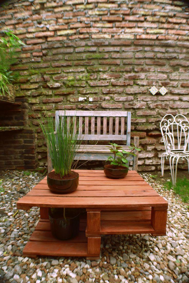 mesa, pallets, plantas, little yisus