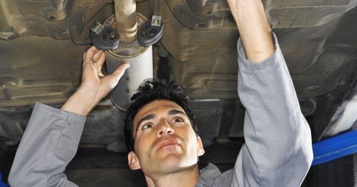Cómo probar el sensor de oxígeno de una Ford Ranger 1995 . Los sensores de oxígeno (sensores de O2) de tu Ford Ranger 1995 miden la proporción de oxígeno en el combustible para asegurar que tu motor funcione a su máximo rendimiento. Los sensores obstruidos o que funcionan mal pueden engañar las luces del motor o causar que tu camioneta se detenga. Verificar el sensor de oxígeno de tu vehículo no es una ...