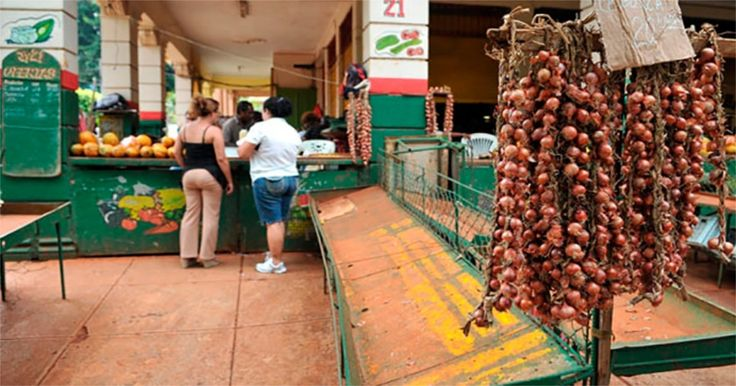 Sancionados cinco administradores y ocho dependientes de mercados en Sancti… #DeCubayloscubanos #administradores #dependientes #mercado