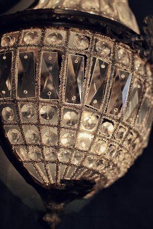 RESTAURANT JAN | Restaurant Interior - Crystal chandelier | Nice, France #onemichelinstar