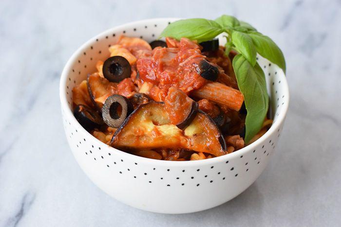 pasta met tonijn, gegrilde aubergine en olijven - karlijnskitchen.com