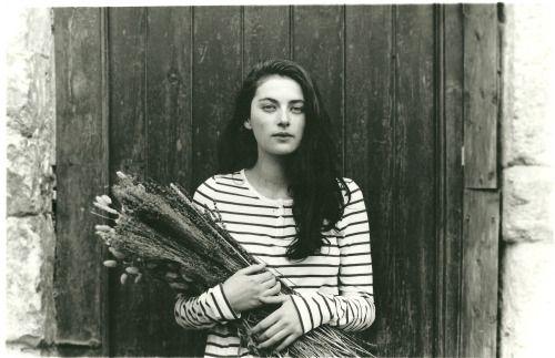 Millie Brady : Mary Bennet
