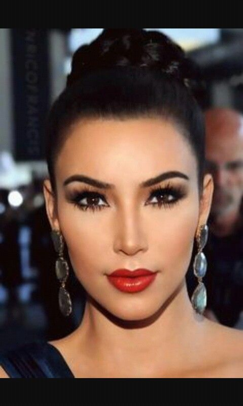 Latina Makeup And Look