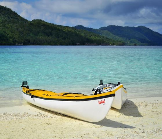 With a dense scattering of beautiful islands, Papua New Guinea is a fantastic place for sea kayaking!