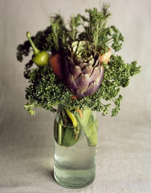 Lara Guffroy: Les Fleurs avec Victoria Hespel: Vegetables Bouquets, Flowers Collection, Flowers Bouquets, Flowers Power, Beautiful Flowers, Fresh Flowers, Dinners Parties, Vegetables Arrangements, Flowers Natural
