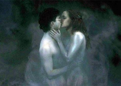 We've seen some uncomfortable kisses unfold on movie screens in our heyday. Jacob & Bella's smooch in The Twilight Saga: Eclipse felt forced, Kathryn & Cecile's spit-swap in Cruel Intentions was literally that — a spit-swap… But we can't say that too many bad kissing moments go down within one franchise. …though, Harry Potter has …