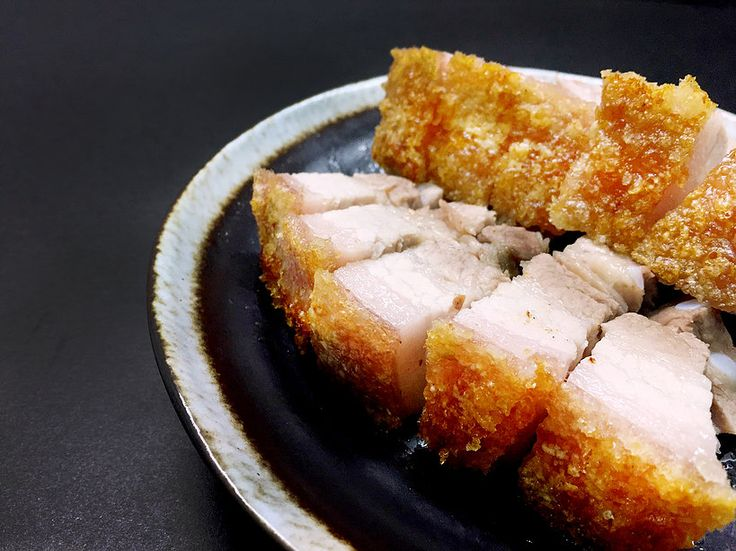Cantonese Food - Crispy Roast Pork Belly