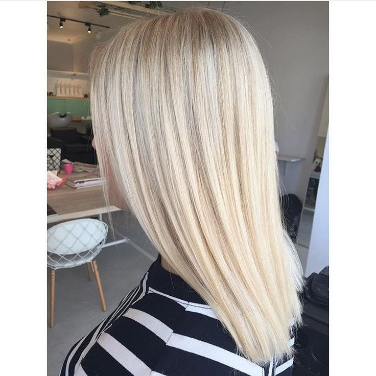 Creamiest of pale gold toner on a very bright blonde base by @hairbygracec