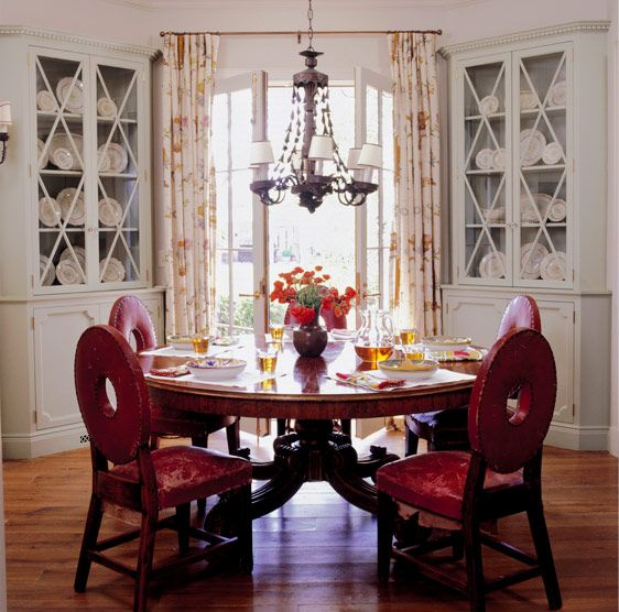 Painted Family Kitchen With Dining Nook: 25+ Best Ideas About Corner China Cabinets On Pinterest