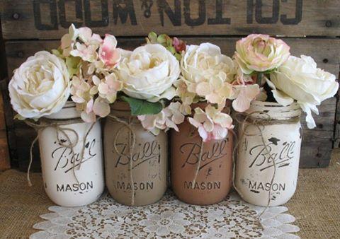 Decorated mason jars from Ball #masonjars #ball #ballmasonjars #ideas #ideer #inredning #inspiration #inredningsinsdetaljer #pyssel #craft #shabby #shabbychic #shabbychichomes #vakrehjem #vackrahem #vitahem Picture from the web