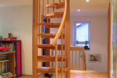 Treppentraum_Raumspartreppe_Buche_massiv_geoelt_S-Form_Galeriezugang_Ruck-Zuck-Treppe_Sambatreppe_01