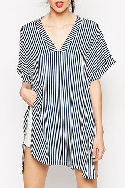 Stripes V Neck Loose-Fitting T-Shirt - $15,49 in Zaful