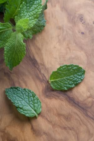 Turn sugar and mint leaves into a lovely, delicious, perfectly drizzle-able Mint Simple Syrup. to make LC - use Swerve or Powdered Stevia instead of sugar.