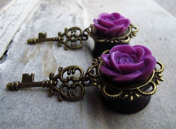 Love these plugs. Gives the double effect of plugs and pretty earrings