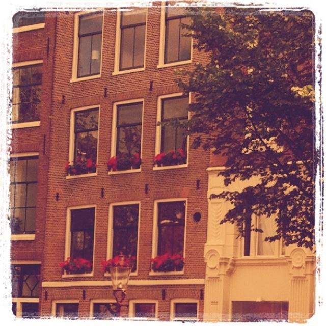 38 best ideas about facade paint colors on pinterest for Facade colour ideas