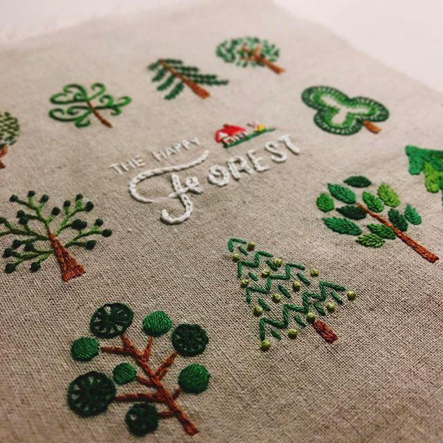 the happy forest . . . . . . #daily #littlebylittle #mikeanis #art #artwork #artist #embroidery #embroideryart #handembroidery #handmade #illust #illustration #mini #rabbit #forest #tree #데일리 #선물 #자수 #손자수 #프랑스자수 #자작도안 #꽃자수 #토끼 #빨간집 #手刺繍 #刺繍 #ししゅう #刺繡