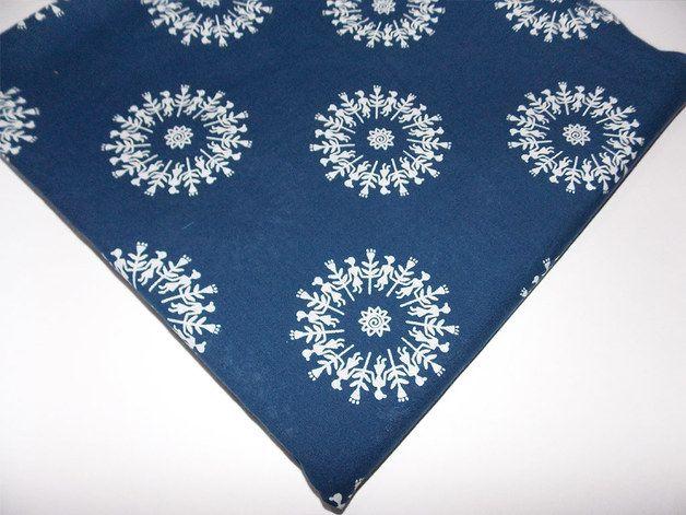 Marine-Blau-indische reine Baumwolle Blockdruck Traditional Warli Volkskunst tribal Druckgewebe. Dies ist aus 100% Baumwollgewebe aus reiner Baumwolle Garn gedruckt mit Pflanzenfarben.  Sie...