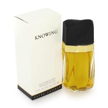 Knowing by Estee Lauder:   is a floral scent Top notes are rose, tuberose, mimosa, plum Middle notes are jasmine, patchouli & orange flower Base notes are oakmoss, vetiver, sandalwood & amber