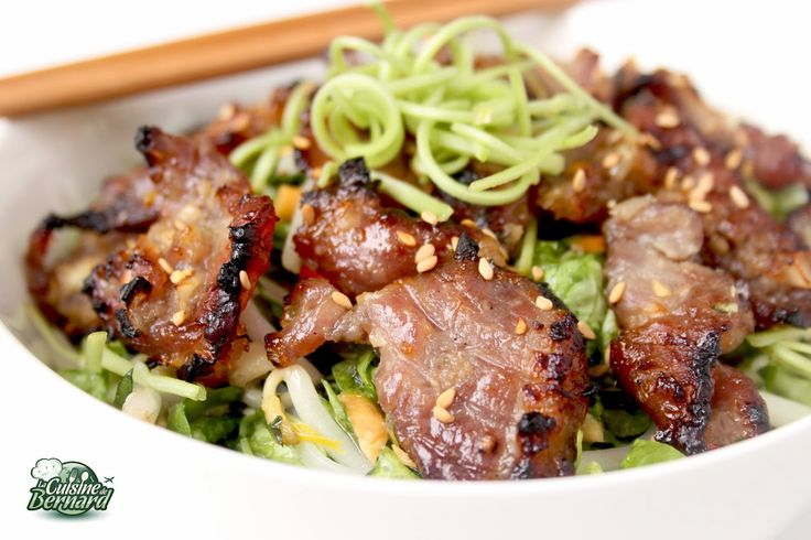 La Cuisine de Bernard: Salade Vietnamienne au Porc Caramélisé