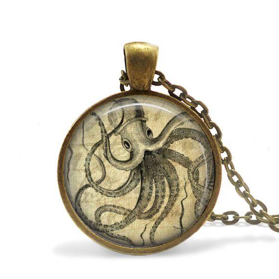 Pendelketten - Paul The Octopus Anhänger - ein Designerstück von MadamebutterflyMeagan bei DaWanda