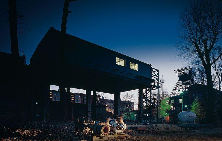 Przemo Łukasik / Medusa Group. Bolko Loft (dom własny na kopalni), 2002-2003, ul. Kruszcowa, Bytom, fot. Juliusz Sokołowski