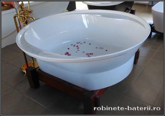 Cada baie rotunda Tonia din compozit pe suport lemn,