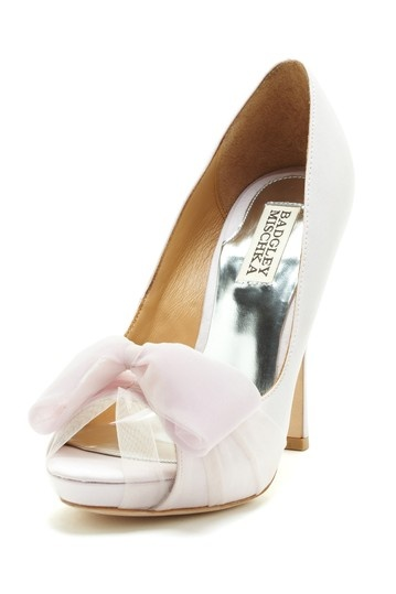 beautiful lilac Badgley Mischka pumps