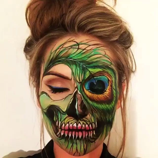 Peacock Feather Skull Make-up Artist: @the_wigs_and_makeup_manager  #sketch_daily