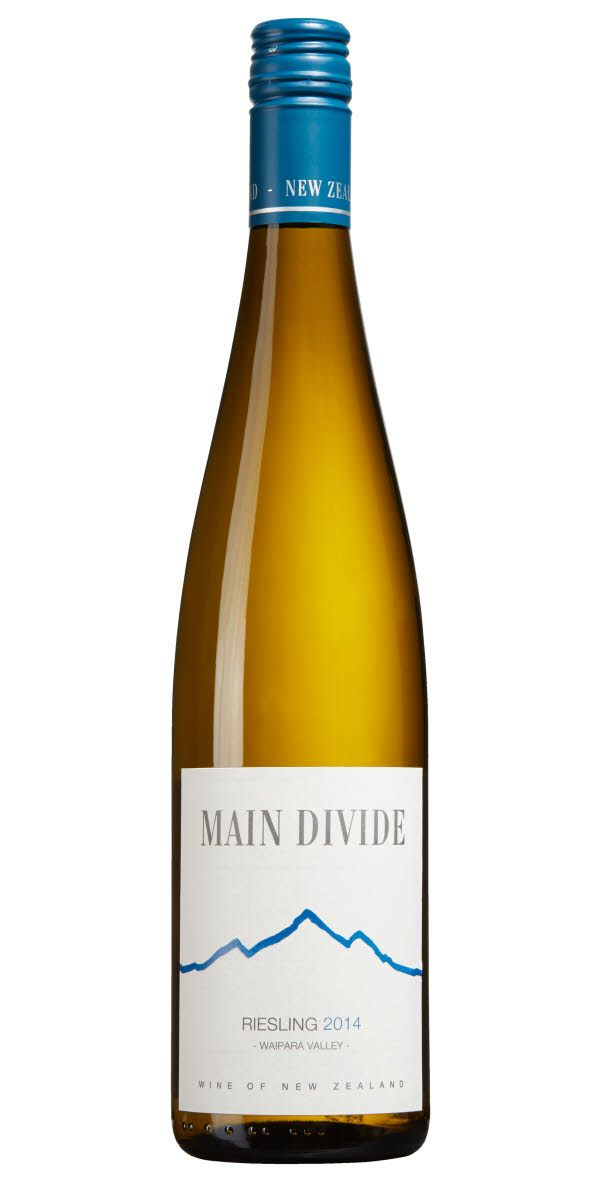 Här är ett vin från Nya Zeeland med mängder av gul frukt som balanseras upp av syran i vinet. Vinet kan upplevas något sött vilket gör att det passar perfekt till de lite hetare rätterna.