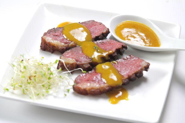 Un soltero en la cocina: Magret de pato con salsa de naranja, mostaza y miel