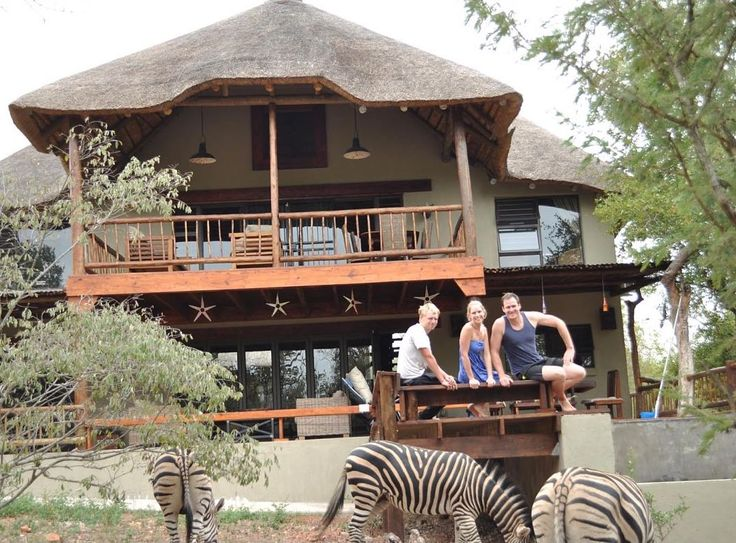 Marloth Kruger Bush Villa self-catering holiday accommodation close to Kruger National Park. Located inside Marloth Park with free roaming animals to be seen on your doorstep.