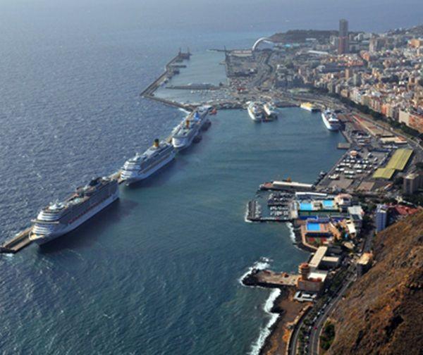 El de Las Palmas experimentó un aumento del 19% más de barcos, con 274, mientras Santa Cruz de Tenerife registró un número similar de buques, 275 | Diario de Avisos