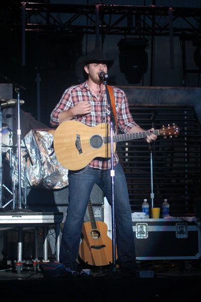 chris young country singer   CMT : Photos : All Chris Young Pictures : Forever Young