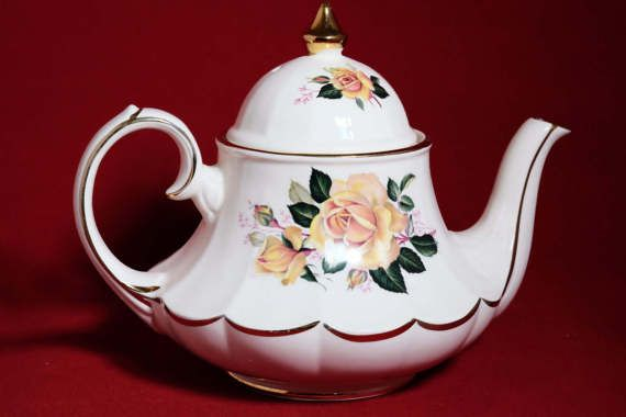 Sadler Teapot English Bone China Sadler Marquee Teapot Ruffle