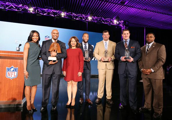 Jason Witten Photos Photos - Connie Payton (3rdL), wife of former Chicago Bears great Walter Payton, her son Jarrett and daughter Brittney (L) and NFL Vice President of Player Engagement Troy Vincent (R) pose with the finalists for the Walter Payton Man of the Year award; Larry Fitzgerald (C) of the Arizona Cardinals, Joe Thomas (3rdR) of the Cleveland Browns and Jason Witten (2ndR) of the Dallas Cowboys during a press conference for Super Bowl XLVII at the Ernest N. Morial Convention Center…