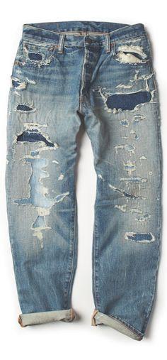 Denim vieilli signé Denim & Supply Ralph Lauren : ce jean à taille basse a été soigneusement conçu pour présenter un aspect usé. Ce modèle tissé de droite à gauche à la silhouette slim est tout aussi cool avec les revers roulés.
