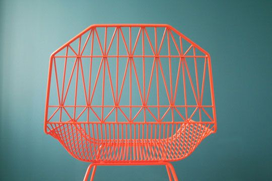 01bend_rect540: Modern Chairs, Coral Chairs, Interiors Design, Wire Chairs, Blog Design, Metals Chairs, Chairs Interiors, Architecture Furniture, Chairs Design