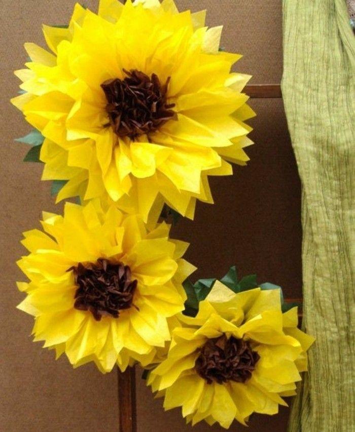 gros tourne sols en papier de soie DIY à fabriquer soi meme, modele de fleur papier de soie charmante